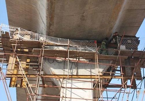 灌浆料在桥梁支座加固的应用.jpg